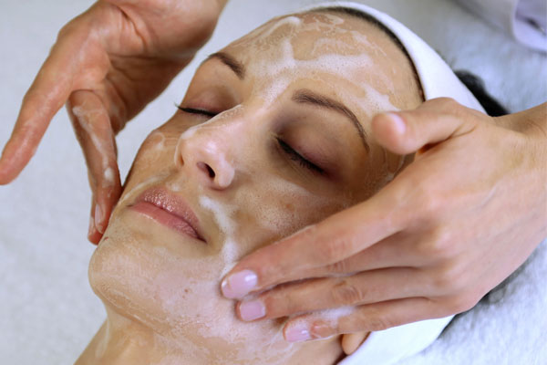 Hydra Refine Pore Perfecting Facial Saskatoon