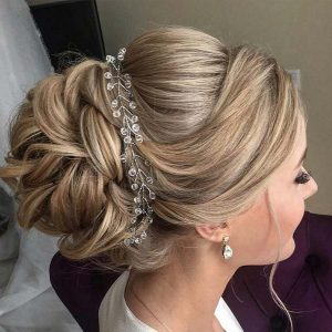 Stunning hairstyles for brides